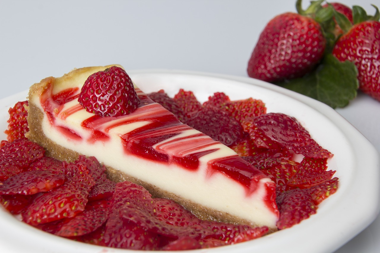 CHEESCAKE STRAWBERRY READY FOR CONSUMPTION